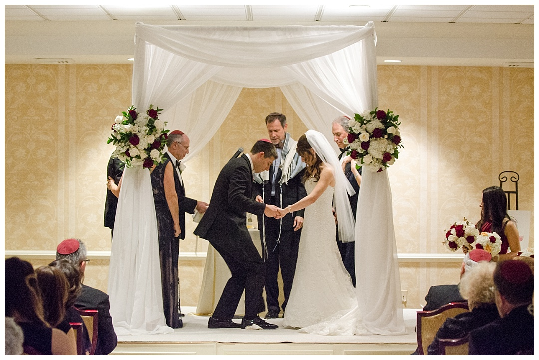 Baltimore-Suburban-Country-Club-Wedding-Aaron-Haslinger-Photography
