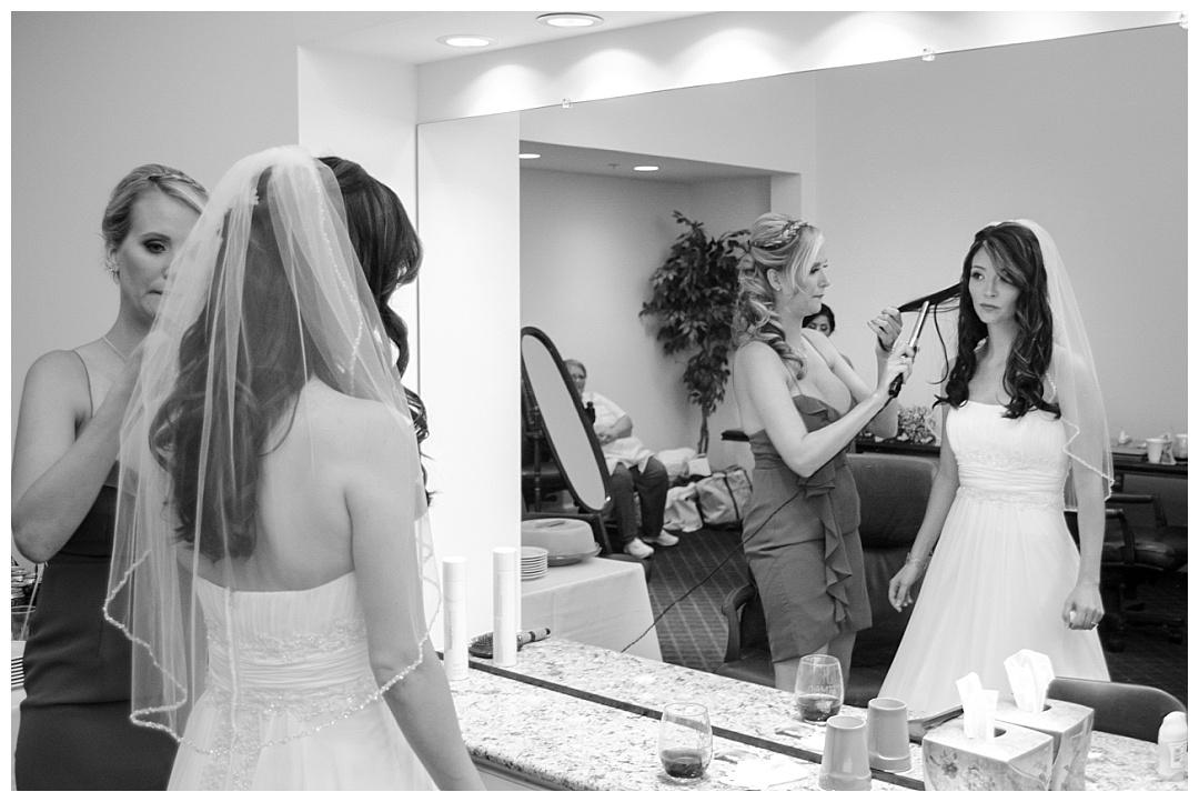 Piney Branch Golf Club bride getting ready