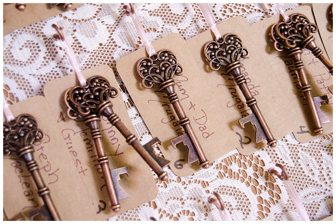 wedding place cards keys